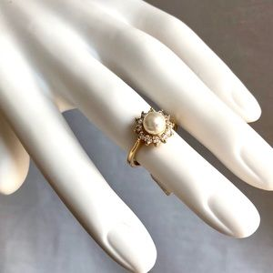 Vintage Inspired NEW Pearl Crystal Gold Midi Ring